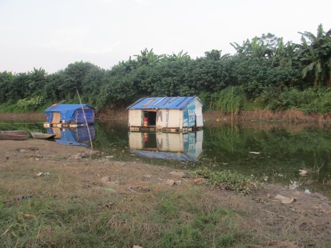 Những căn nhà lênh đênh trên sông nước