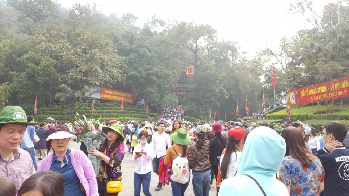 Giỗ Tổ Hùng Vương 2017: Hai triệu lượt du khách về dâng hương sau hai ngày khai hội