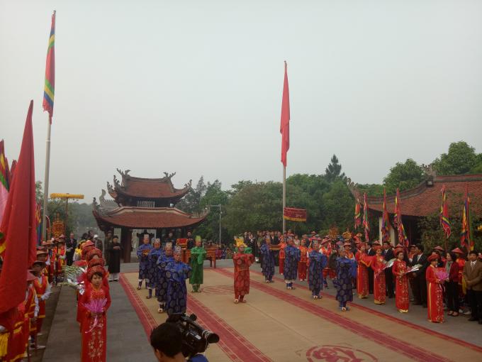Đội tế lễ của xã Chu Hóa (TP Việt Trì) thực hiện nghi lễ truyền thống.
