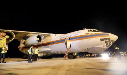 Các bạn Nga gửi 40 tấn hàng viện trợ người dân bị ảnh hưởng bão Damrey