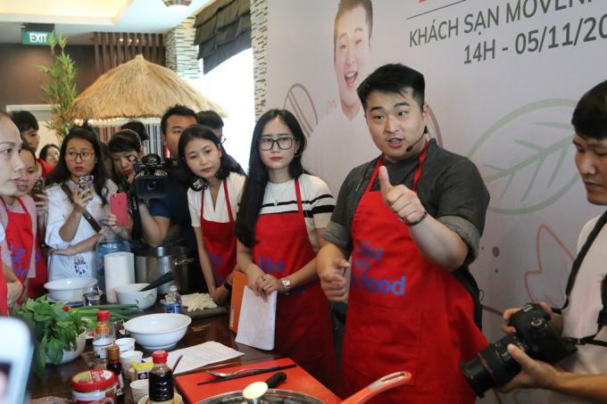 Với tài năng nấu ăn của mình, xuất phát từ công việc nấu ăn trong quân đội, Lee Won IL trở thành chuyên gia ẩm thực nổi tiếng của Hàn Quốc.
