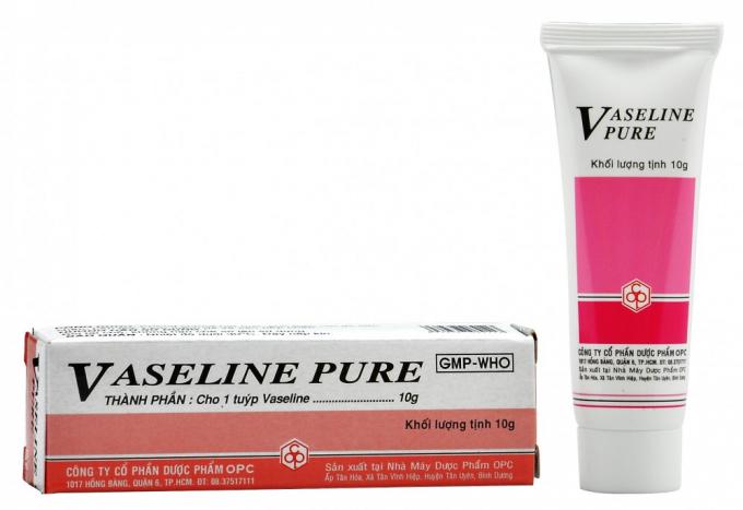 Sản phẩm mỹ phẩm Vaseline Pure của Công ty Cổ phần dược phẩm OPC ghi nhãn không đầy đủ nội dung (hình ảnh minh họa cho lô sai phạm)