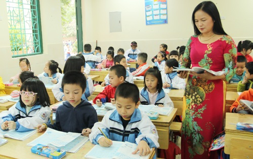 Ngoài việc làm, mức lương, giáo viên cũng rất cần có môi trường làm việc dân chủ, được tôn trọng, được phát triển bản thân (ảnh minh họa: IT)