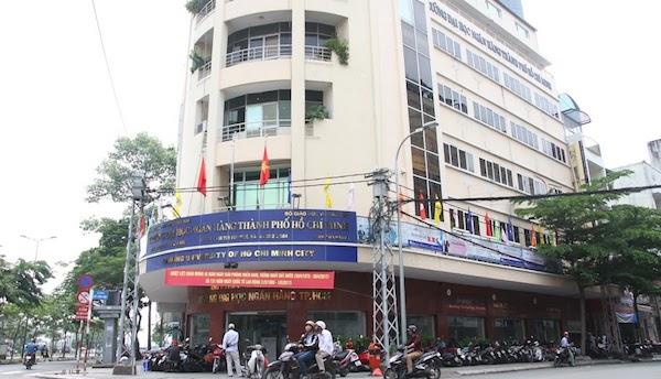 Hiệu trưởng ĐH Ngân hàng TP. HCM mất chức sau sai phạm