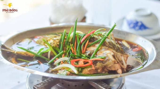 Món cá song hấp xì dầu vô cùng thơm ngon, bổ dưỡng mà lại không đòi hỏi quá nhiều sự tỉ mỉ của người làm.
