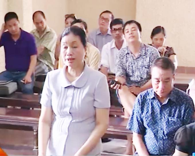 Bà Phạm Thị Hương tại phiên tòa sơ thẩm.