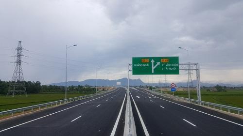 Dự án xây dựng đường cao tốc Đà Nẵng - Quảng Ngãi đã chính thức thông xe kỹ thuật và đưa vào khai thác tạm 65km.
