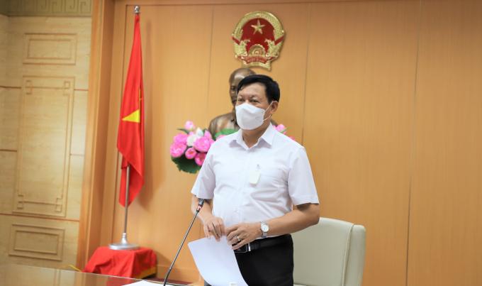 Thứ trưởng Bộ Y tế phát biểu tại cuộc họp trực tuyến với 12 tỉnh, thành phố của Miền Tây Nam Bộ .