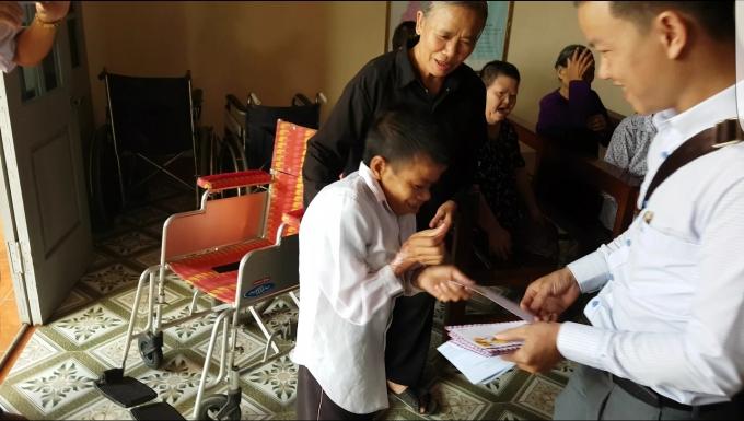 Nhàtình thương Sa Châu là nơi cưu mang nhiều người già, tàn tật, những số phận kém may mắn.