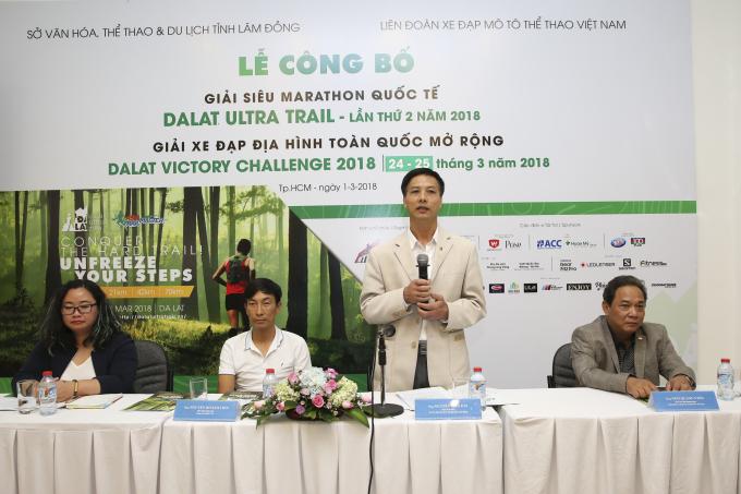 Ông Nguyễn Tiến Hải, Phó Giám đốc Sở Văn hóa, Thể thao và Du lịch tỉnh Lâm Đồng phát biểu tại Lễ công bố Giải siêu Marathon Quốc tế Dalat Ultra Trail 2018 .