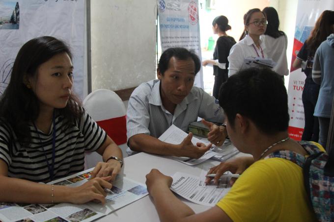 Các sinh viên sẽ được định hướng cụ thể về ngành nghề mình đăng ký tuyển dụng.