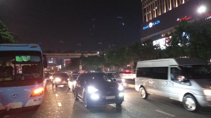 Kẹt xe do ảnh hưởng của vụ tai nạn.