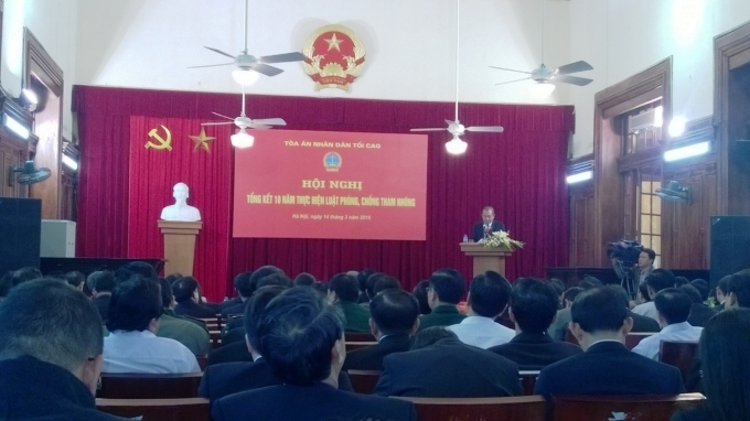 Đồng chí Trương Hòa Bình - Ủy viên Bộ chính trị, Chánh án TANDTC phát biểu tại Hội nghị.
