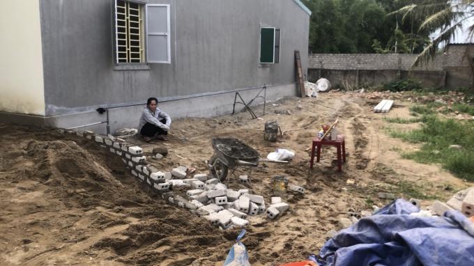 Ngôi nhà cấp 4 của bà Dung bị san phẳng để xây một ngôi nhà trái phép khác