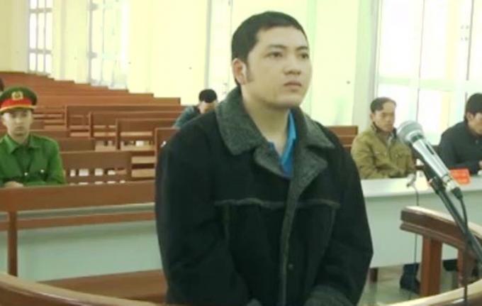 Bị cáo Nguyễn Phi Long tại phiên tòa.