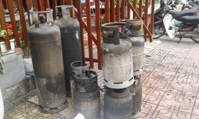 Các bình gas đã được di chuyển ra ngoài.