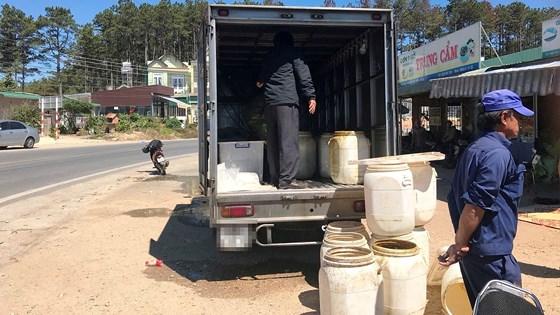 Chiếc xe tải- nơi phát hiện sự việc đau lòng trên.