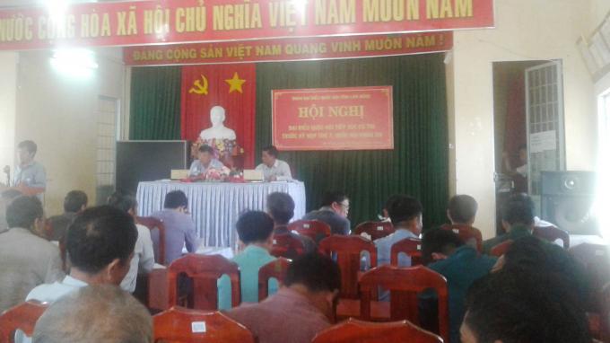 Quang cảnh buổi tiếp xúc cử tri Trước kỳ họp thứ 7, Quốc hội khóa 14,tại trụ sở UBND xã Đạ Rsal, huyện Đam Rông, tỉnh Lâm Đồng.