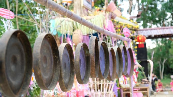 Bộ chiêng giá trị được bảo tồn tại chùa Đức Bổn A Lan Nhã.