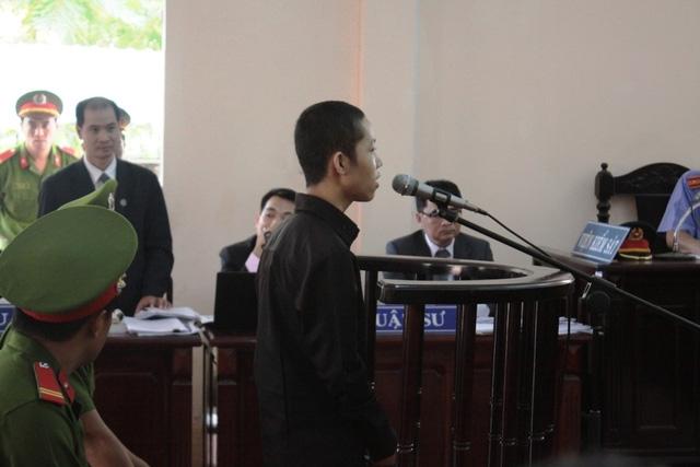 Nguyễn Mai Trung Tuấn bị TAND tỉnh Long An tuyên phạt 30 tháng tù khi chưa đủ 16 tuổi.