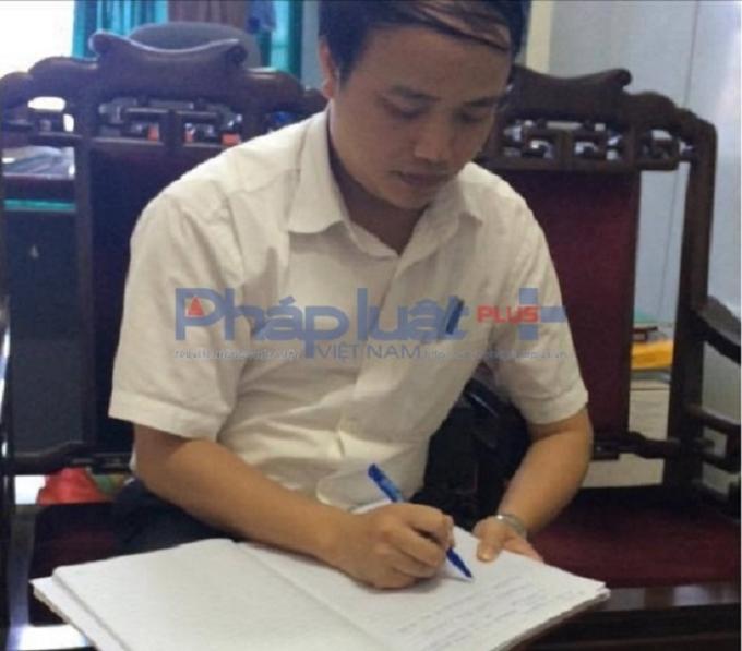 Ông Đỗ Quang Trung, Chánh Văn phòng Sở TN&MT tỉnh Nam Định làm việc với PV.