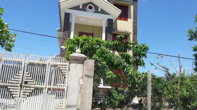 Căn nhà ông Thu chủ xe khách tại Nghi Diên, Nghi Lộc đóng cửa.