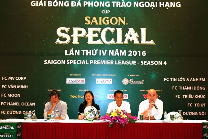 BTCGiải bóng đá phong trào Saigon Special Premier League - season 4 (Saigon Special Beer HPL-S4) thông tin trong buổi họp báo.
