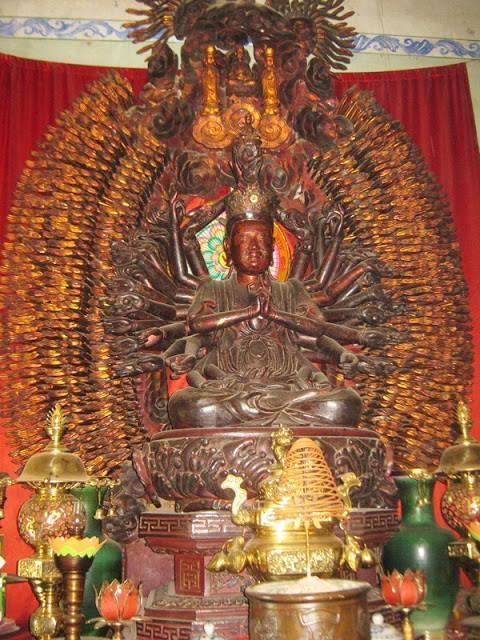 Bức tượng Phật bà Quan Thế Âm nghìn tay nghìn mắt trước lúc bị mất - Ảnh tư liệu.
