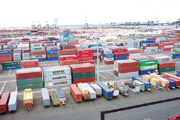 Trong 9 tháng năm 2016, thương mại hàng hóa của Việt Nam dự kiến xuất siêu gần 2,77 tỷ USD.