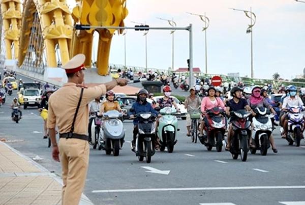 Lực lượng Cảnh sát giao thông Đà Nẵng đã phát hiện, lập biên bản xử lý và xử phạt hàng trăm trường hợp vi phạm an toàn giao thông trong kỳ nghỉ Tết Nguyên Đán