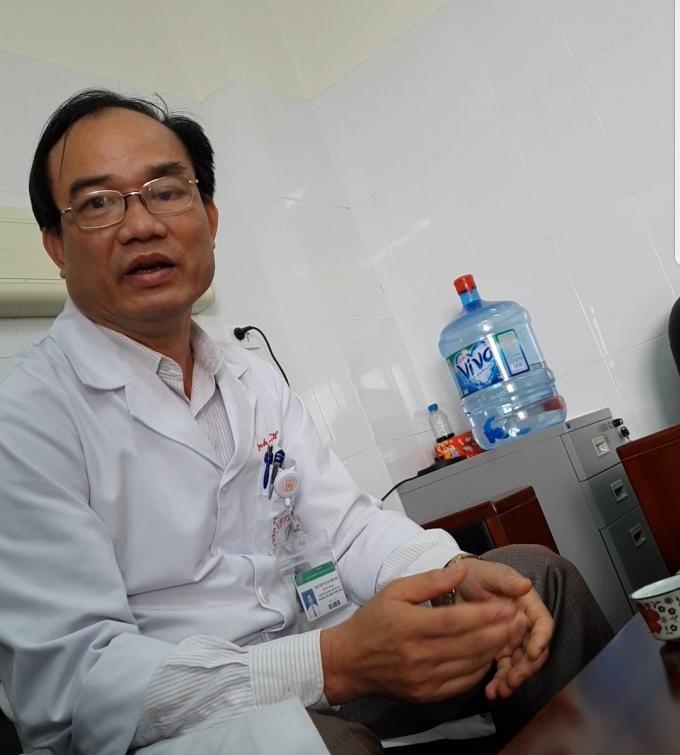 Phó viện trưởng TS.BS Nguyễn Tuấn Khanh