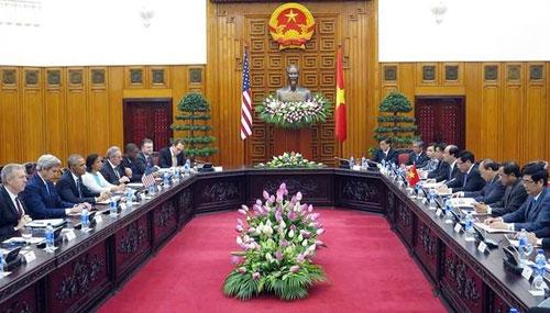 Tổng thống Mỹ Obama gặp gỡ Thủ tướng Nguyễn Xuân Phúc chiều 23/5 (Ảnh:Thông tin Chính phủ).