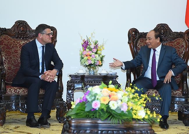 Thủ tướng Nguyễn Xuân Phúc tiếp Bộ trưởng Khoa học và Nghệ thuật bang Hessen (CHLB Đức). (Ảnh: VGP)