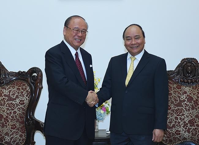 Thủ tướng tiếp Cổ vấn Liên minh hữu nghị Việt - Nhật. (Ảnh: VGP)