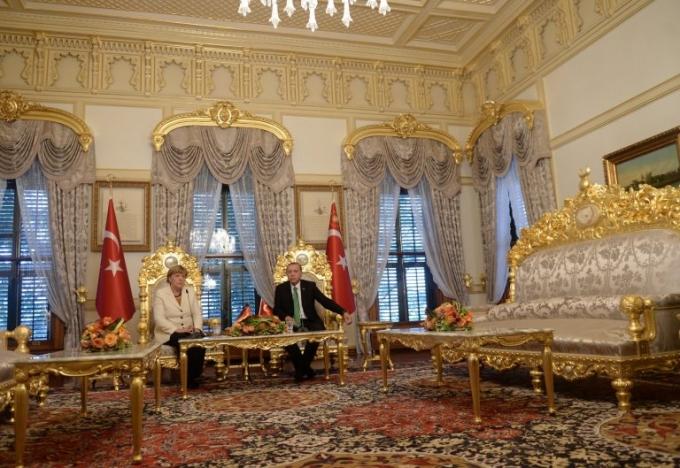 Bên trong cung điện, Tổng thống Erdogan đã tự thiết kế nhiều hạng mục và đưa ra một số biện pháp phòng ngừa bằng một đường hầm ngầm ngay trong dinh thự. (Ảnh: Getty)