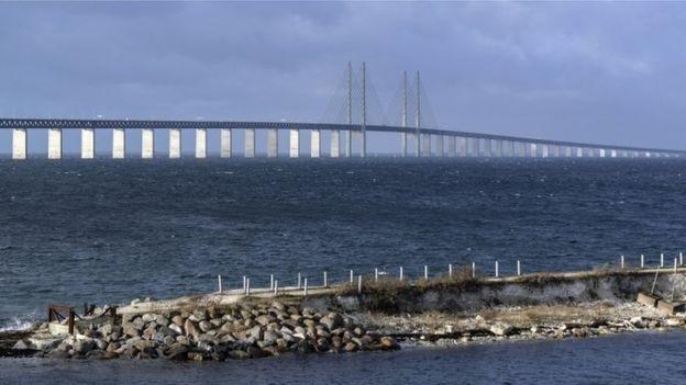 Cầu Oresund, nối liền Đan Mạch và Thụy Điển nơi bà Hadzialic bị cảnh sát kiểm tra nổng độ cồn. (Ảnh:AP)