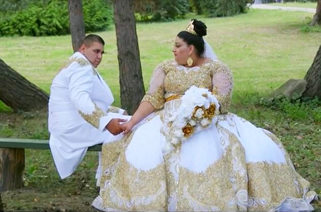 Mới đây video về đám cưới của cặp đôi Evka (19 tuổi) và Lukas (20 tuổi) ở Slovakia đã gây sốt trên mạng xã hội Đông Âu và Nga về mức độ xa hoa và độ chịu chơi của gia đình cô dâu chú rể. (Ảnh: Dailymail)