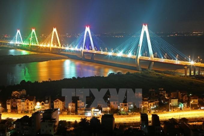 Cầu Nhật Tân - một trong ba cây cầu có số nhịp dây văng lớn nhất thế giới. (Ảnh: Huy Hùng/TTXVN).