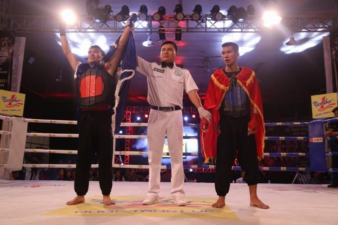 Nguyễn Văn Thắng với sựvượt trội của mình đã xuất sắc vượt qua Huỳnh Hữu Đường.