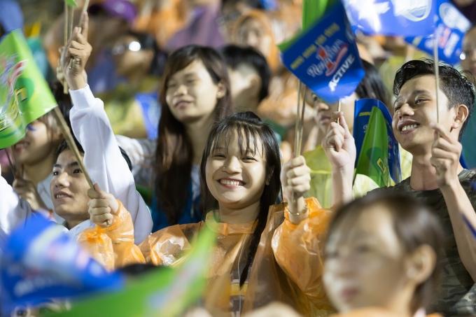 Rất đông khán giả đã sân Gò Đậu để cổ vũ cho 2 đội thi đấu.