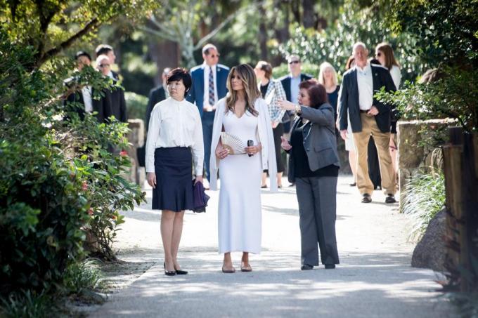 Theo CNN, chuyến thăm Mỹ lần này của vợ chồng Thủ tướng Nhật Bản Shinzo Abe là cơ hội để bà Melania lần đầu tiên thực hiện vai trò đệ nhất phu nhân của mình kể từ khi ông Trump nhậm chức vào tháng trước. (Ảnh:Palm Beach Post)