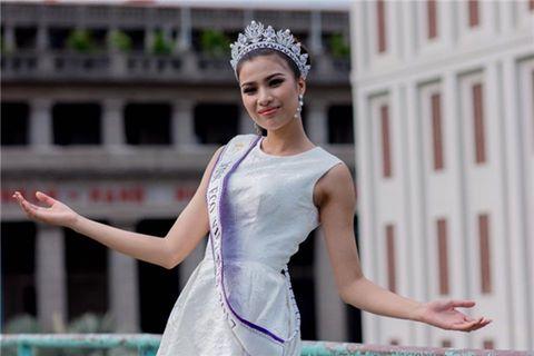Nguyễn Thị Thành bị Cục Nghệ thuật biểu diễn phạt vì chưa được cấp phép vẫn đến Ai Cập tham gia cuộc thi Hoa hậu Môi trường Quốc tế.