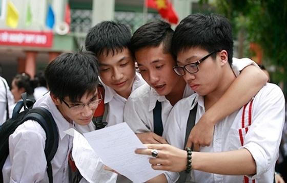 Năm nay chỉ 70% học sinh trên địa bàn thành phố Hà Nội được học trong các trường THPT công lập. (Ảnh: Báo giao thông)
