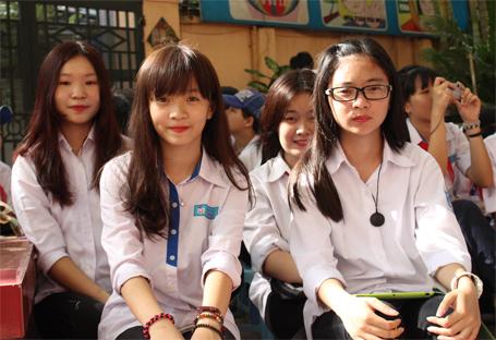 Từ ngày 9/6, học sinh Hà Nội sẽ tham gia kỳ thi chung vào lớp 10 do Sở GD-ĐT tổ chức với 2 môn Toán và Ngữ văn. (Ảnh: Đời sống Pháp luật)