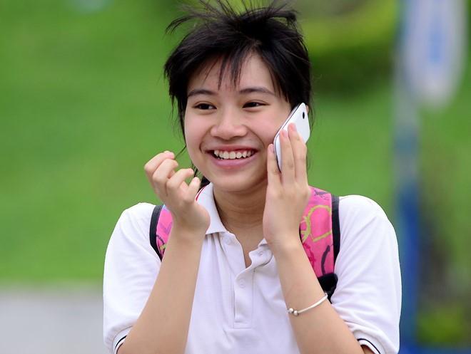 Năm học 2017-2018, chỉ khoảng 70% học sinh Hà Nội có cơ hội được học trong các trường THPT công lập. (Ảnh: Zing)