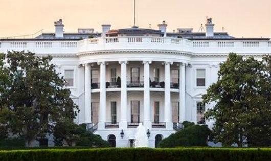 Chính quyền Mỹ một lần nữa thoát nguy cơ đóng cửa vào phút chót.