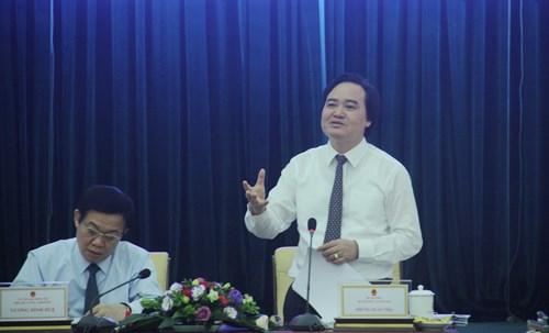 Bộ trưởng Bộ GD&ĐT Phùng Xuân Nhạ phát biểu tại buổi làm việc với Đoàn Khảo sát Ban chỉ đạo nhà nước về xây dựng đề án đổi mới cơ chế quản lý, cơ chế tài chính, tổ chức lại hệ thống các đơn vị sự nghiệp công lập.