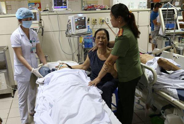 Bệnh nhân chạy thận bị tai biến được điều trị tạiBệnh viện Đa khoa tỉnh Hòa Bình. (Ảnh:BáoHòa Bình)