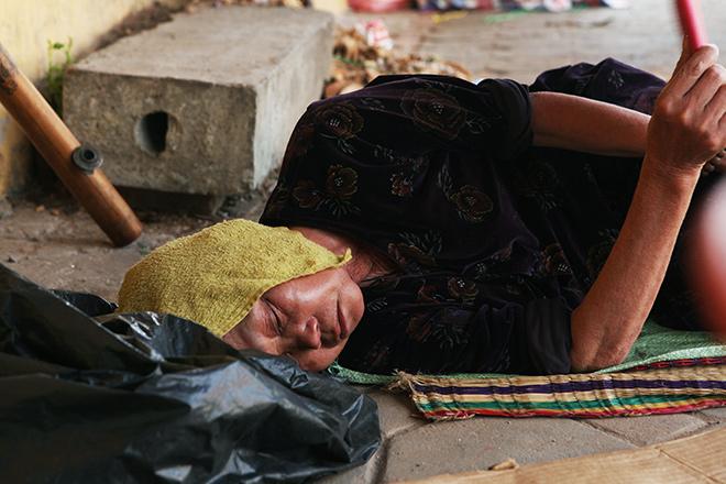 Nắng nóng kéo dài ảnh hưởng tới cuộc sống của người dân. (Ảnh: 24h)
