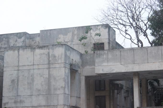 Một trong hai tòa nhà chính được kết nối bởi đường hành lang (Ảnh:Văn Đại)